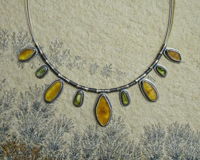 Lumen – naszyjnik z bursztynem i oliwinem