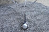 Z Kuźni Krasnoludów – wisior z perłą
