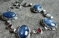 Nimrodel – srebrna bransoleta z kyanitami i granatami