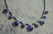Coirë – srebrny naszyjnik z ametystami i kyanitami