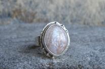 Ithildin – srebrny pierścień z kamieniem księżycowym