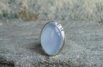 Meneldil – srebrny pierścień z chalcedonem