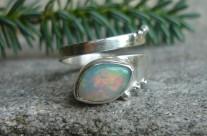 OPALe – srebrny pierścionek z naturalnym opalem szlachetnym
