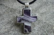 Medium Aevum – krzyż ametystowy