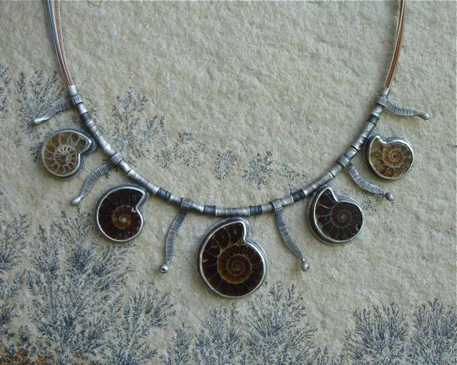 Paleo – srebrny naszyjnik z amonitami