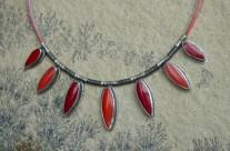 Chilli – srebrny naszyjnik z koralem