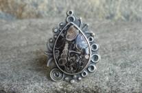 Turritella – srebrny pierścień z jaspisem muszlowym
