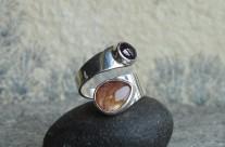 Ruban – srebrny pierścionek z kamieniem słonecznym i granatem