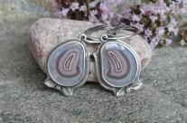 Z Krainy Wygasłych Wulkanów – srebrne pastelowe kolczyki z rodzimymi agatami