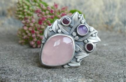 Faelivrin – srebrny pierścień z kwarcem różowym