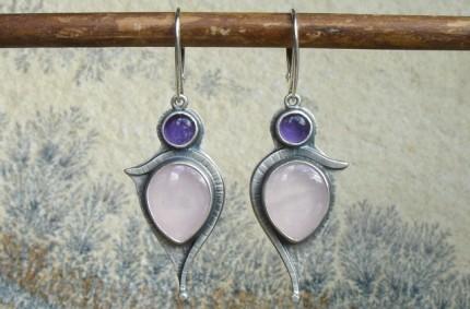Estë – srebrne kolczyki z kwarcem różowym i ametystem