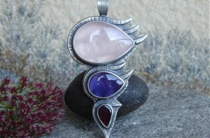 Z Letnim Wiatrem – srebrny wisior z kwarcem różowym