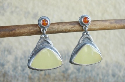 Majare – srebrne kolczyki z bursztynem i karneolem