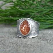 Tintalle – srebrna obrączka z kamieniem słonecznym