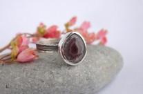 Petit – srebrny pierścionek z agatem rodzimym