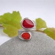 Ruban – srebrny pierścionek z koralami