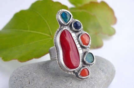 Corall – srebrny pierścień z koralem