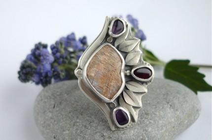 Mithril – srebrny pierścień z kamieniem księżycowym