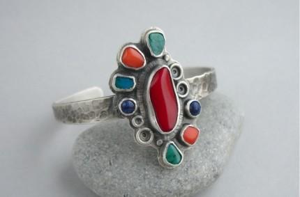 Manco – srebrna bransoleta z koralami