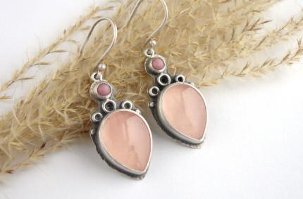 Rose – srebrne kolczyki z kwarcem różowym