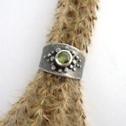 Galen – srebrna obrączka z oliwinem