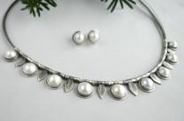 Boule de neige – naszyjnik srebrny z perłami