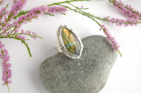 Mallorn – srebrny pierścień z labradorytem